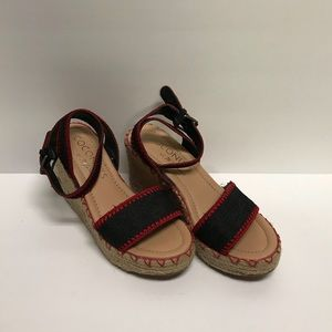 Coconuts by Matisse Wedge